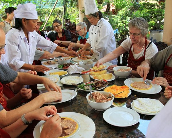 Throughout-Vietnam-cooking-tour-HCM-Cooking-class